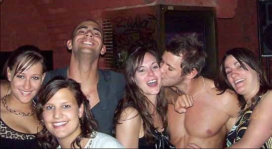 Групповое веселье с пьяными русскими телками на закрытой секс вечеринке для зрелых свингеров
